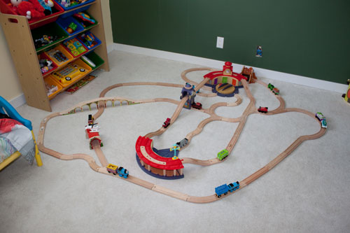 Train Track Tuesday #2 (Motherhood Looms)