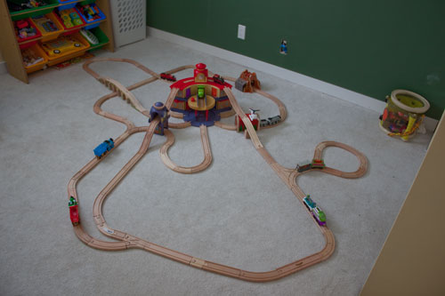 Train Track Tuesday (Motherhood Looms)